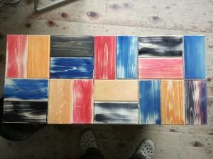 桧壁板、カラフル過ぎ
