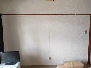 息子の寮の壁